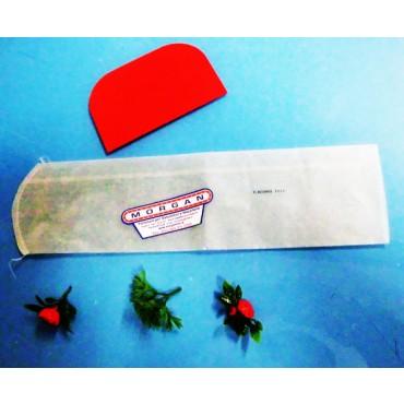 Budello sintetico Fibrous già forato, con chiusura rotonda cucita a sacchetto, per salumi insaccati. Certificato per alimenti. In confezioni da 5 - 50 - 500 - 2500 pezzi.