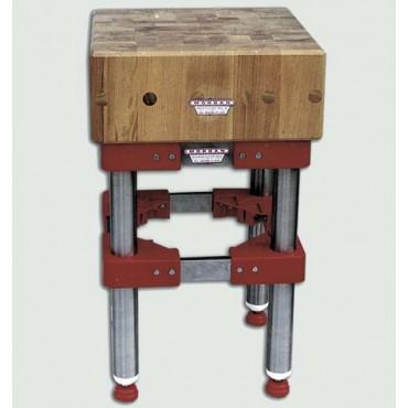 Ceppi in legno di acacia per macelleria con o senza sgabello inox, spessore cm. 30. Sistema brevettato con tiranti interni in acciaio.