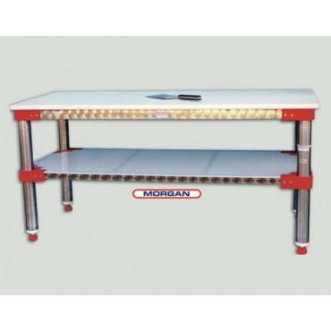 Tavoli da lavoro inox per macellerie e salumifici, per lavorazioni pesanti nell'industria alimentare.