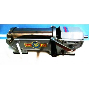 Insaccatrice per salumi AMB SUPER RL 6,5, usata solo 1 volta a scopo dimostrativo. Capacità litri 6,5, a 2 velocità - € 340,00