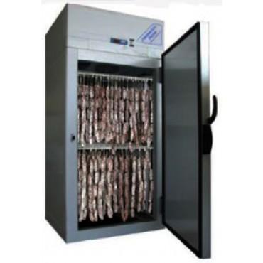 Armadio per l'asciugatura e la stagionatura di salumi + funzione di frigorifero, per la conservazione di alimenti, con ripiani mobili. Dimensioni esterne: cm 100x109x210H (LxPxH) - PREZZO SCONTATO DEL 10%: € 5166,00.