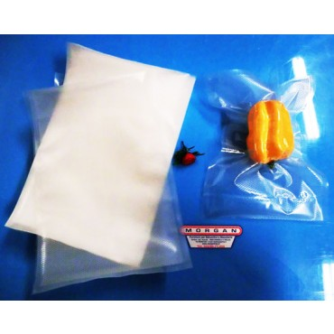 Buste sottovuoto goffrate in offerta promozionale per macchine ad aspirazione diretta, spessore 105 MY, per tutti i tipi di alimenti. Confezioni da pezzi 200.