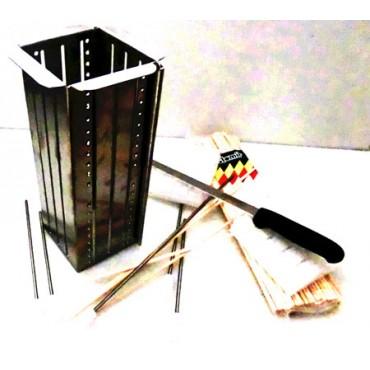 """Taglia spiedini lunghi giganti """"Mangia col panino"""", altamente professionali, in acciaio inox AISI 304-18/10, CON SPORTELLO APRIBILE e regolazione dell'altezza. Per stecconi giganti lunghi cm 40 spess. mm 5, e stecconi normali lunghi cm 20 spess. mm 3,5."""