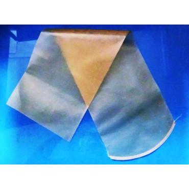 Budello collagene Fibran a pezzi di cm 65 con cucitura rotonda, calibro 135, insacco kg 6,5 da insaccare col tubo frastagliato. In confezioni da 100 pezzi.