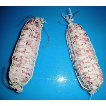 N. 2 salami finti con rete, chiari, lunghi cm 18, diametro cm 5, prezzi per 2 pezzi.