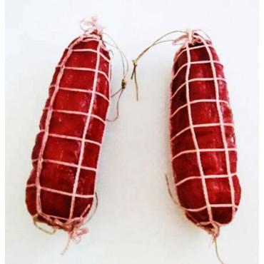 N. 2 salami finti con rete, colore violetto, lunghi cm 18, diametro cm 5, prezzi per 2 pezzi.