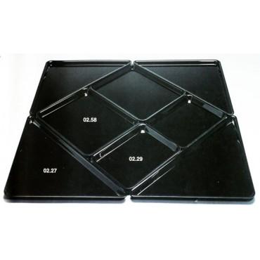 Combinazione multipla di vassoi in plastica metalcrilato che formano un quadrato di cm 90x90, composta da 8 vassoi colore nero.