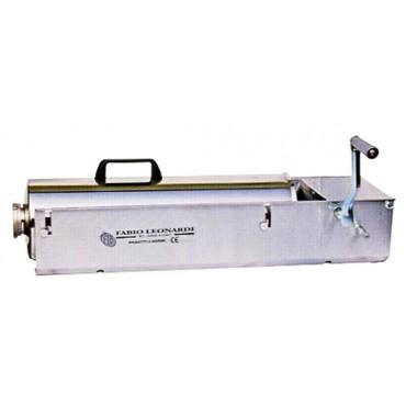 Insacca-salumi modello FLB inox kg 10, a 2 velocità, completa di 4 imbuti in plastica di varie misure. Trasporto gratuito. € 292,95