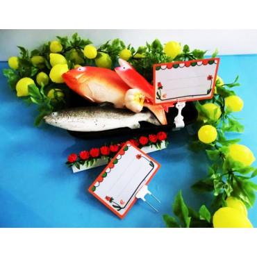 Segnaprezzi in PVC per pescheria, ortofrutta, macelleria, salumeria ecc. in plastica certificati per alimenti, cm 15x10 con disegno stilizzato, e accessori.