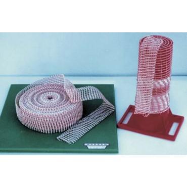 Reti elastiche doppia trama, colore bianche e rosse, a 5 maglie, in rotoli da mt 50.