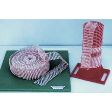 Rete elastica doppia trama speciale per arrostitura, colore bianca e rossa, a 5 maglie, in rotoli da mt 50.