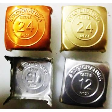 Sigilli in alluminio modello mm 30, con 4 punte da infilare su formaggi, prosciutti, prodotti alimentari, per marcare i mesi di stagionatura.