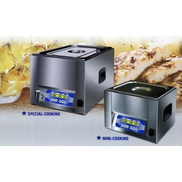 Macchine con sistema di cottura in sottovuoto a bassa temperatura