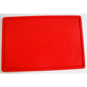 Taglieri in plastica polietilene per alimenti, con canale di raccolta del sangue, per fegati ecc. spessore cm 2, colore rosso vivo.